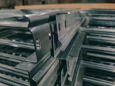 Углы горизонтальные для лестничных лотков 90 градусов UGLLZ90